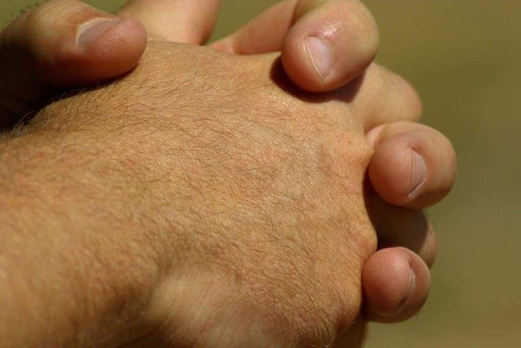 hands-799772_1920